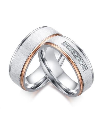 Argollas de matrimonio en acero inoxidable con textura