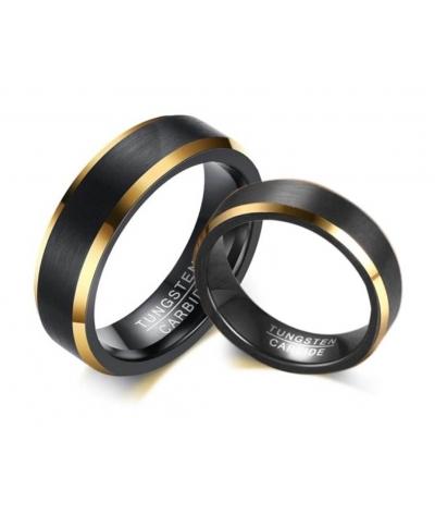 Argollas de matrimonio en tungsteno negro franja color dorado
