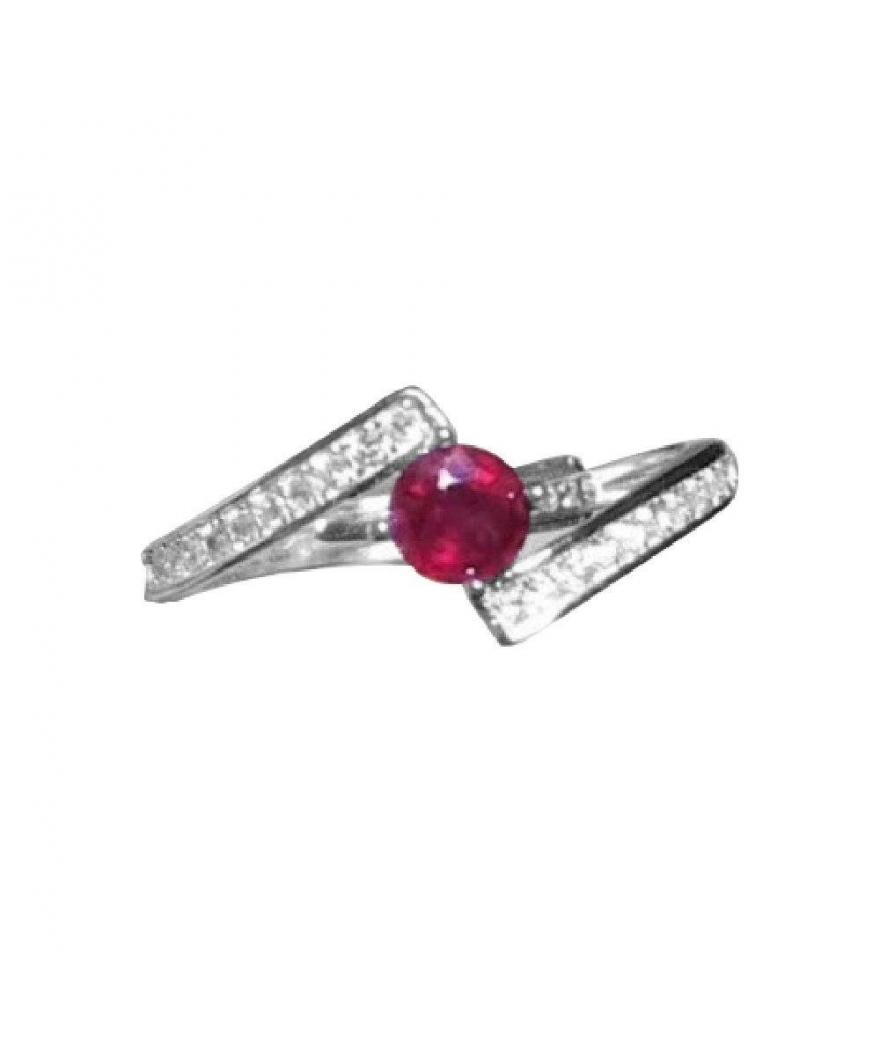 Anillo de compromiso en plata con rubí